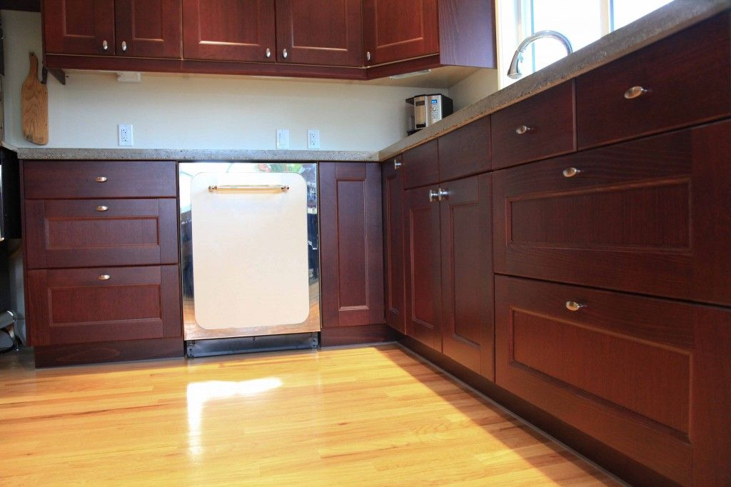 Vintage Modern Kitchen in RAMSJO red-brown with Heartland ...