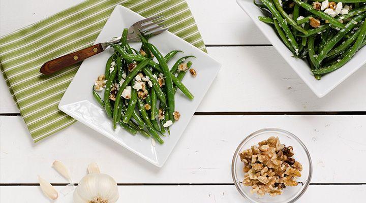 Bohnensalat mit Basilikum und Schafskäse   Allyouneed Magazin