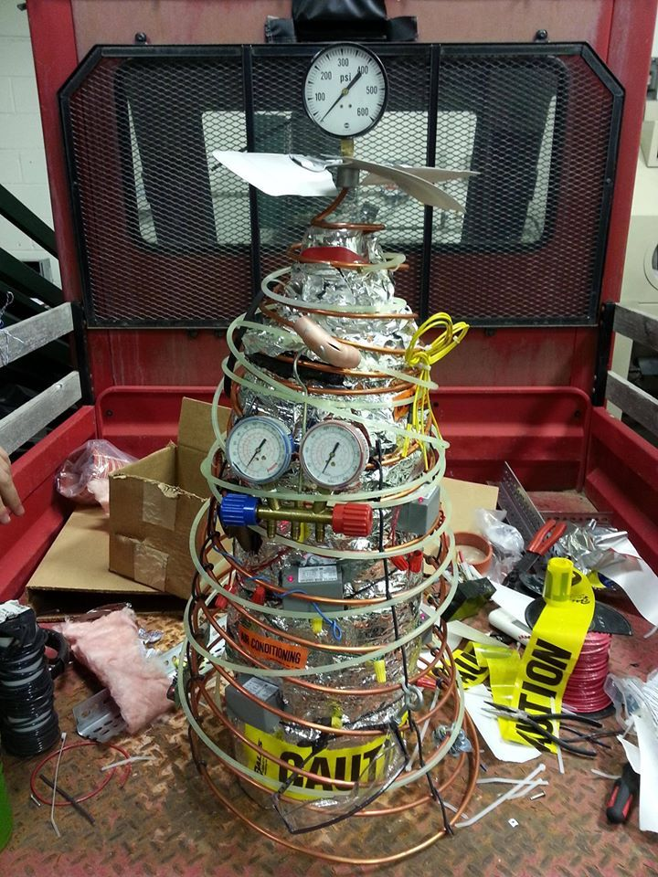 How an HVAC tech decorates for Christmas! 🎄 HVACHumor in