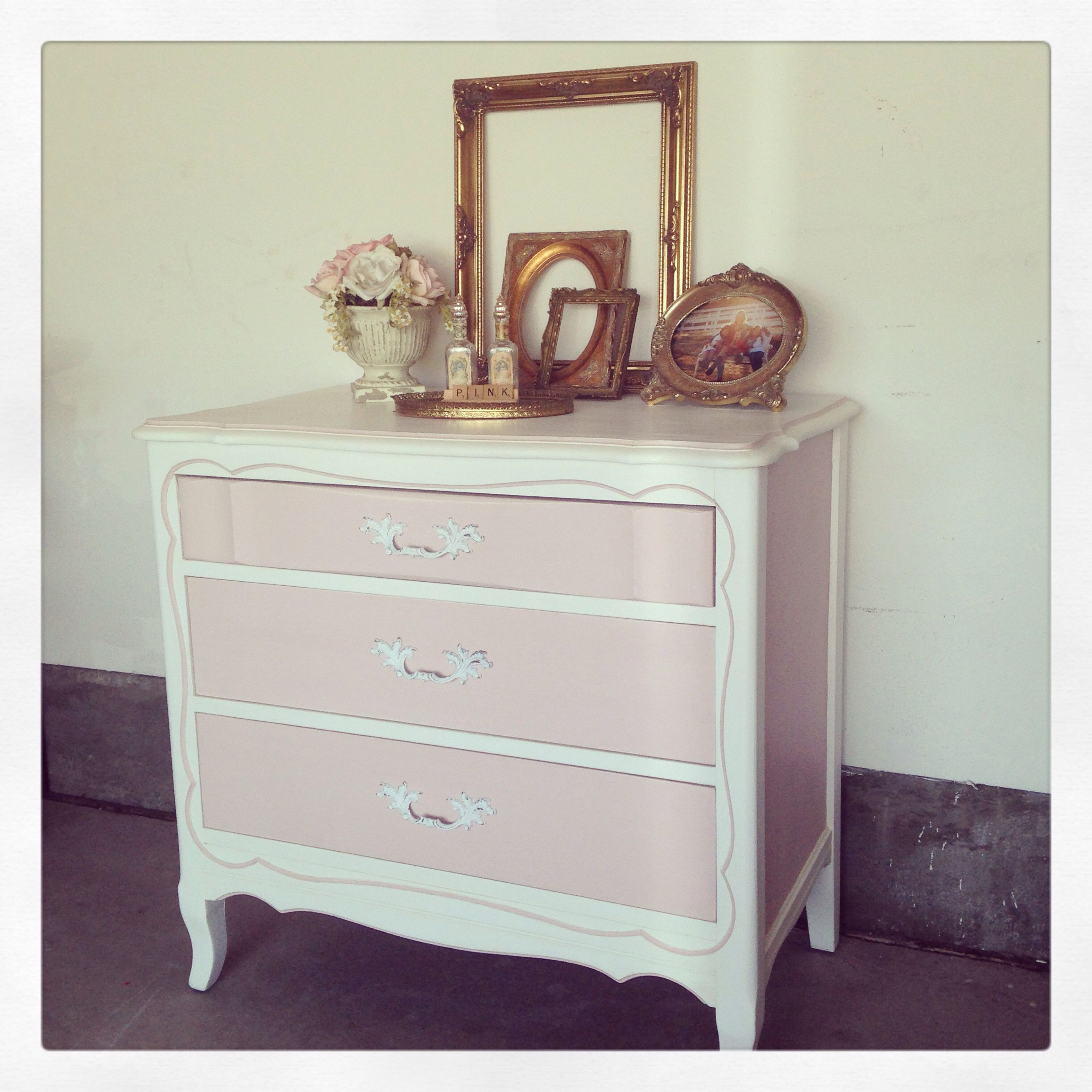 Best This Sweet Little French Provincial Three Drawer Dresser 640 x 480
