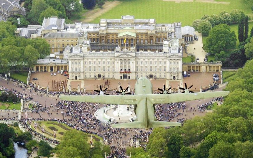 Royal Air force planes flying over Buckingham Palace during the trooping of the colour