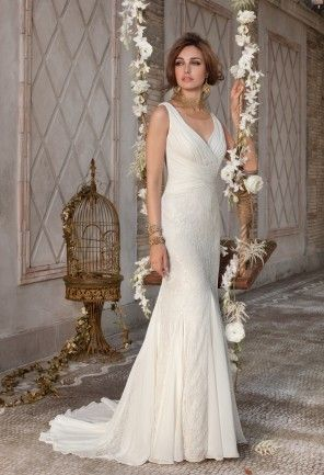 Words Alone Cannot Truly Capture The Beauty And Elegance Of This Sleek And Chic Wedding Dress Y With Images Group Usa Wedding Dresses Wedding Dresses V Neck Wedding Dress
