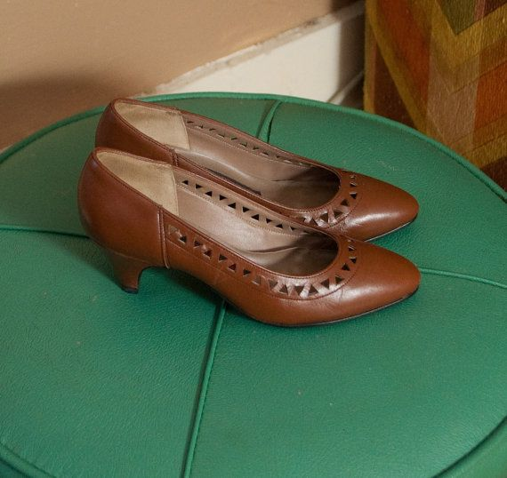 Shoes Size 4 Kitten Heels 60s Triangles cut out by kittenlicious, $36.00