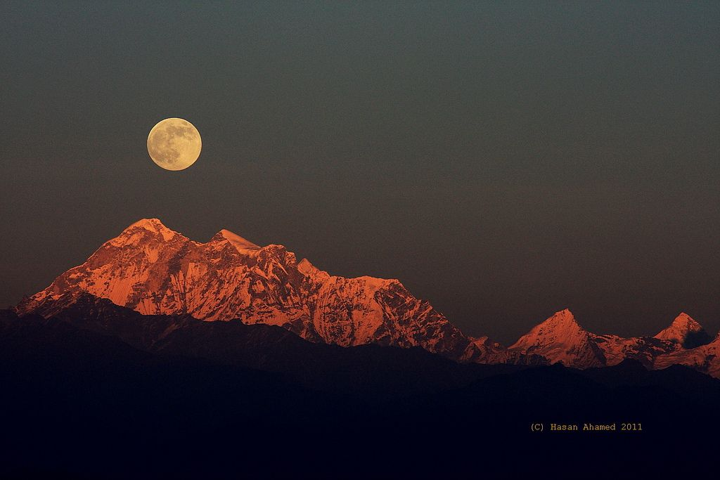 Moon-rise @ Sun-set