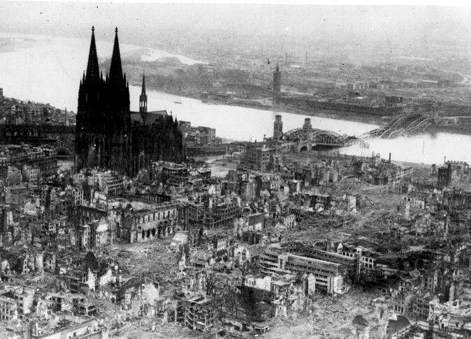 Aerial view of cologne cathedral after bombing germany for Koln ww2