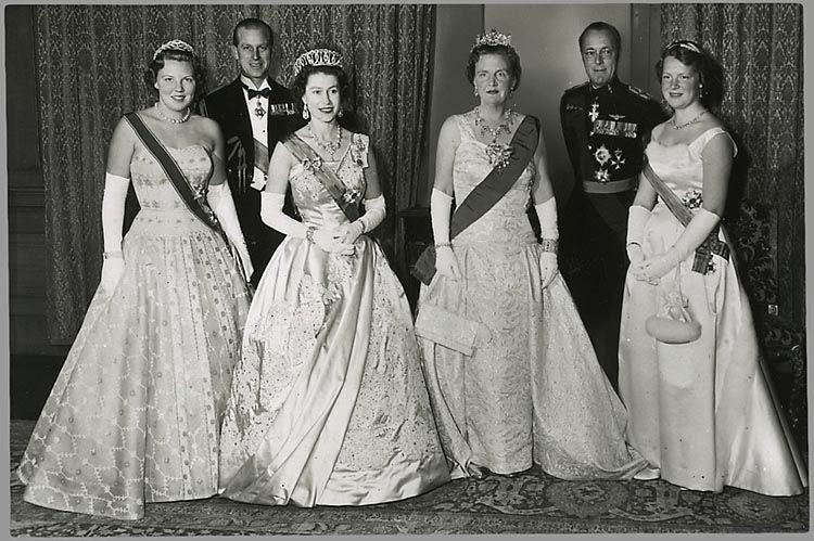 The Royal Forums-British State Visit to the Netherlands 1959 l-r Princess Beatrix, the Duke of Edinburgh, Queen Elizabeth, Queen Juliana, Prince Bernhard, Princess Irene