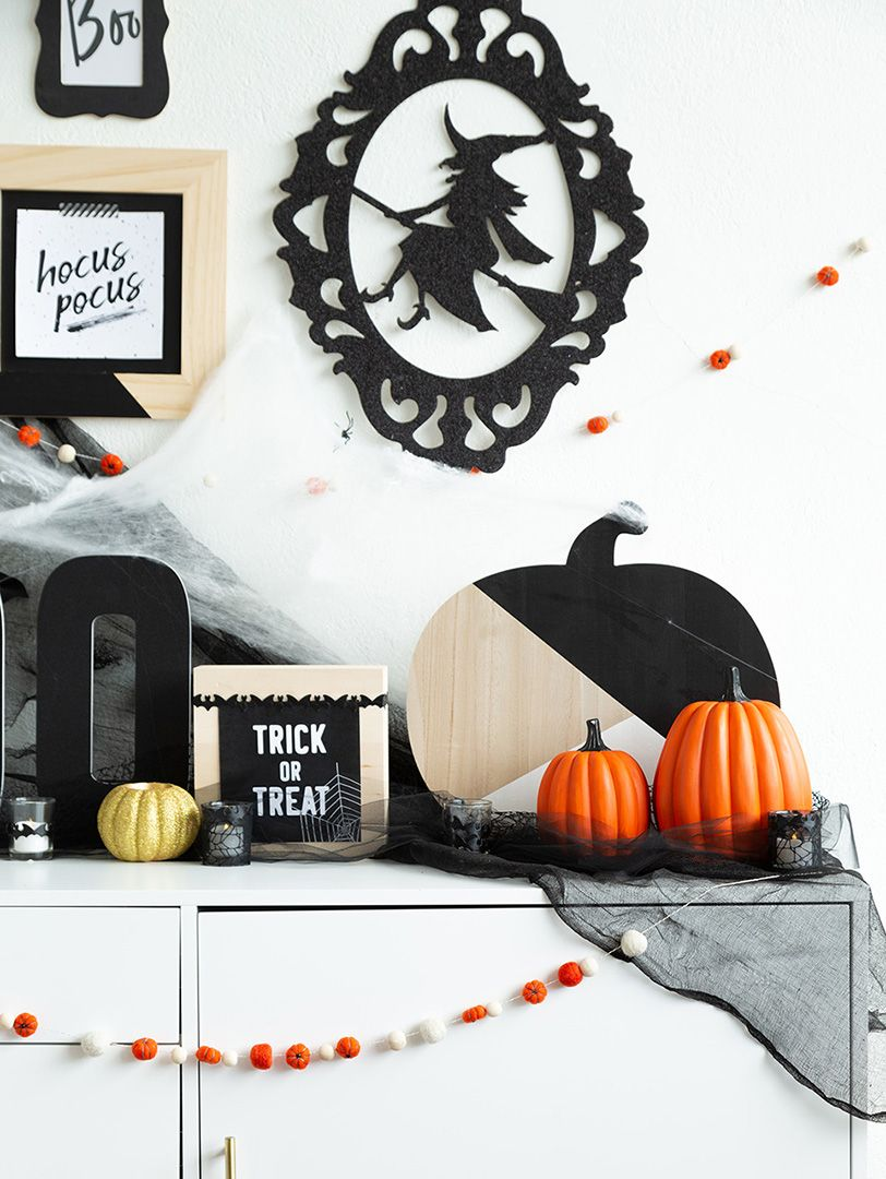 Halloween Home Decor Idea Alice and Lois