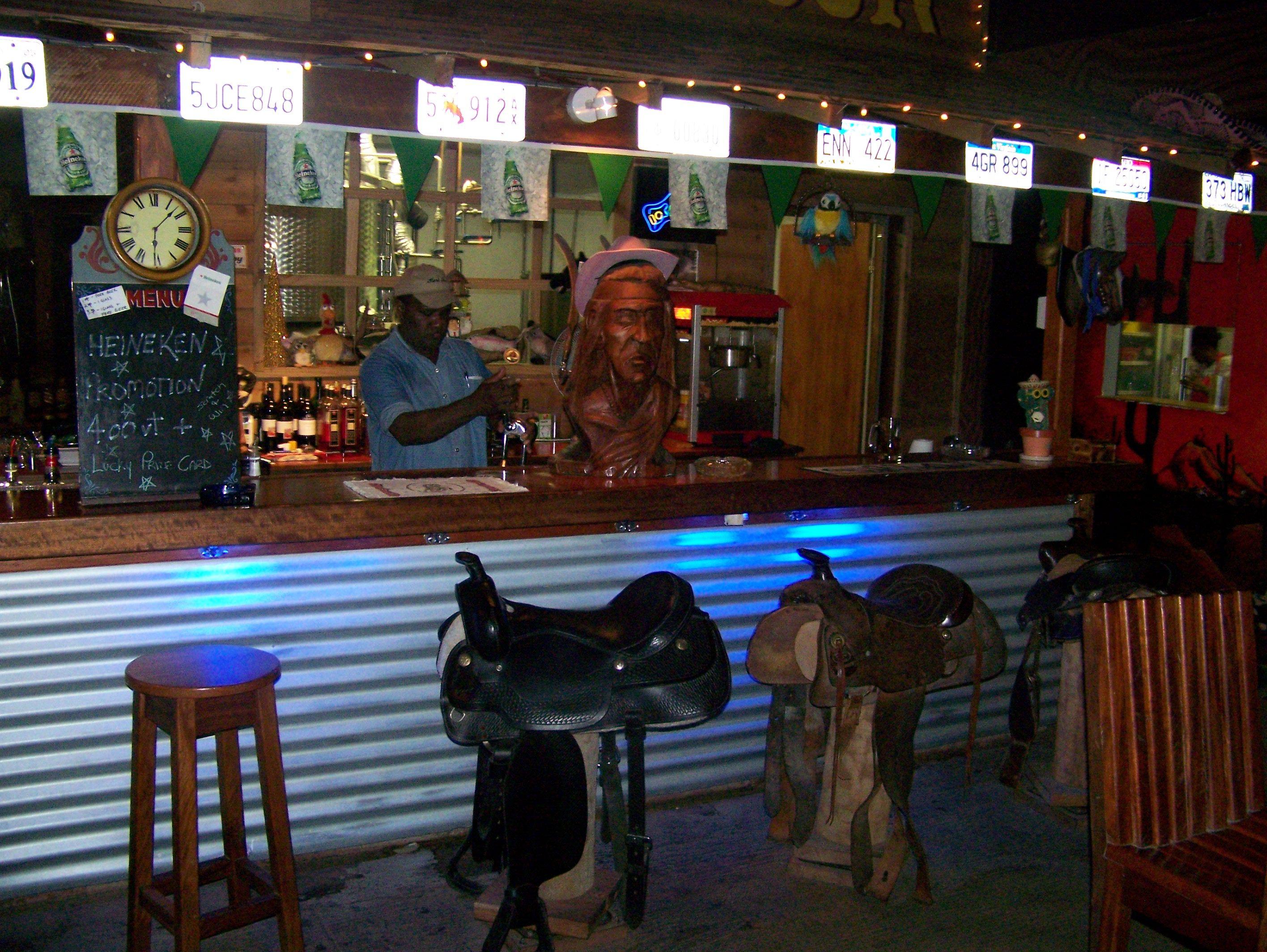Ideas For An Old Fashion Saloon Bar Com Bar Full Bar