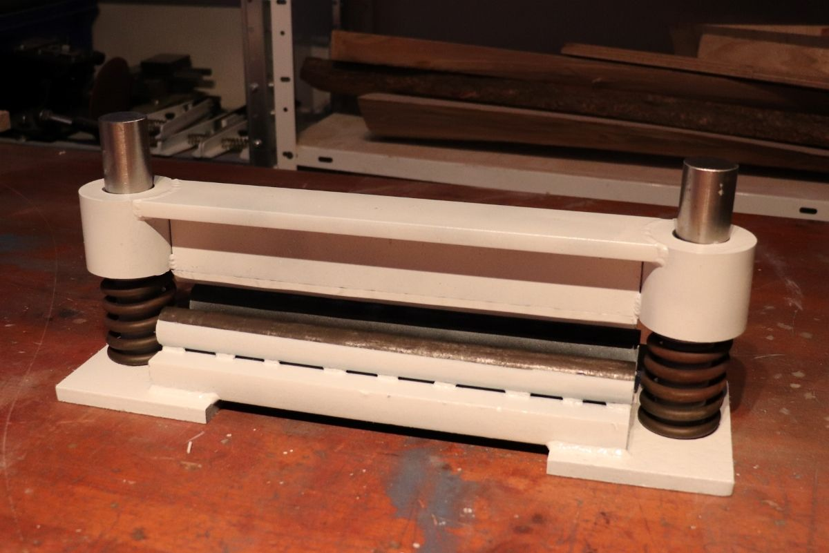 Press Brake For Hydraulic Press By Tuomas Made A Simple Brake To My Press Info About Mounting The Jack Http Www Homemadetools Net Forum M Projets A Essayer