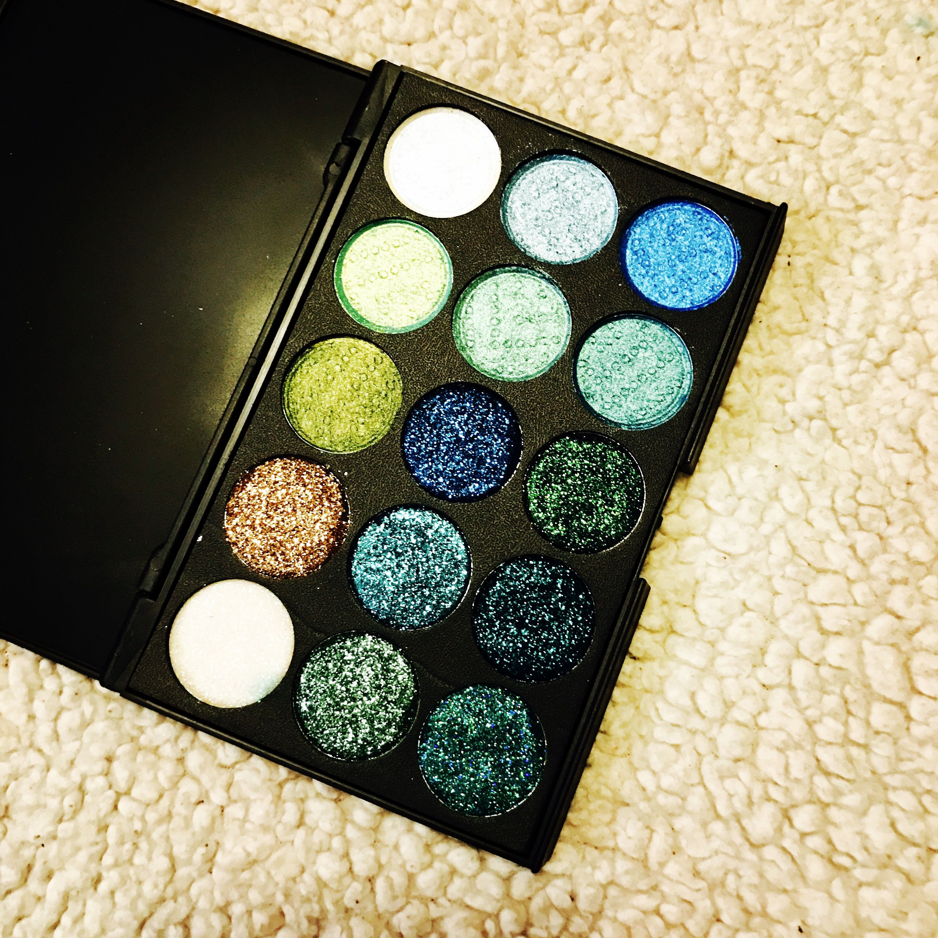 Pin by Monique Boulé on Eyeshadow Palettes Eyeshadow