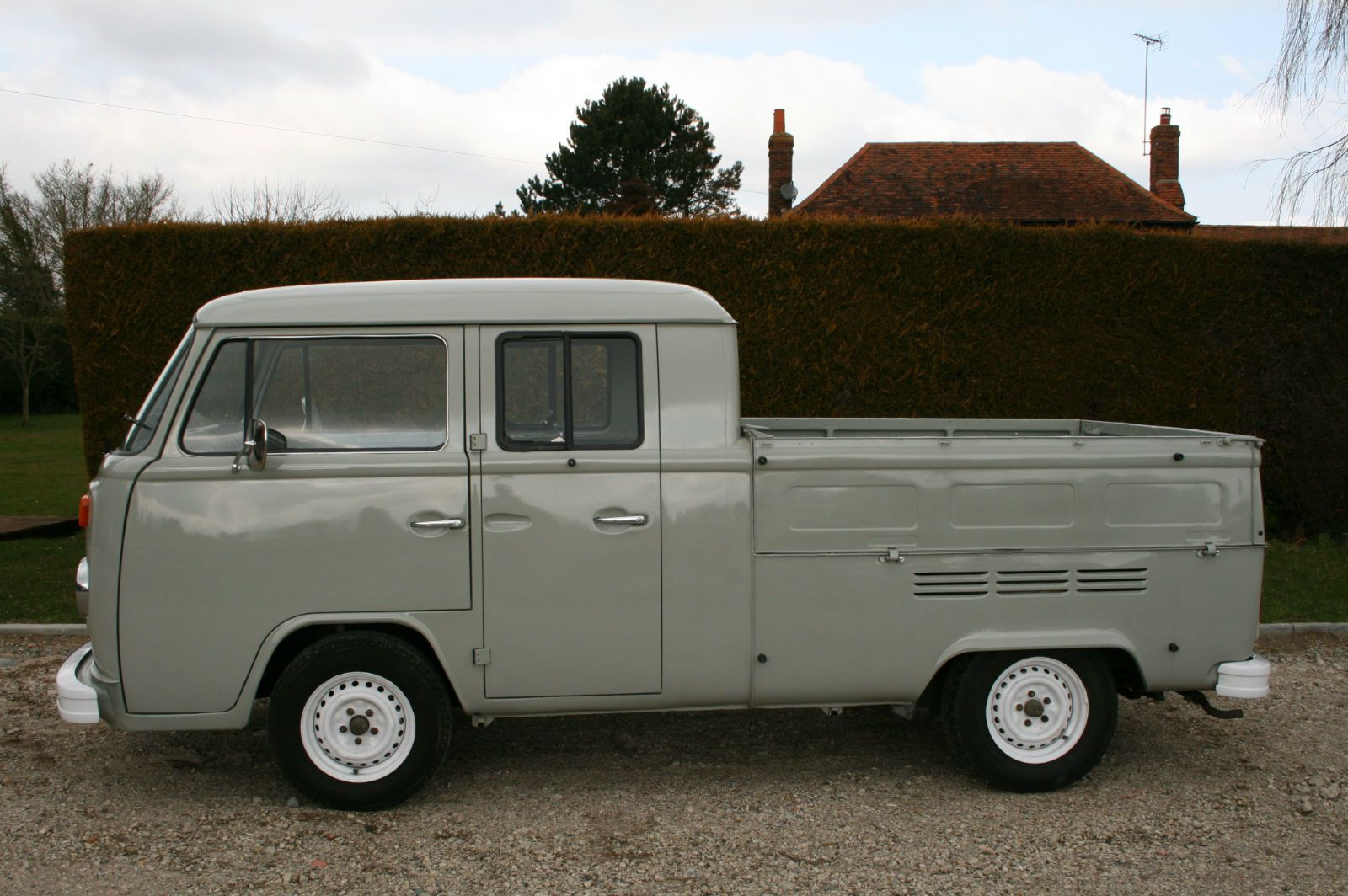 Volkswagen T2 Bay Window Double Cab Pick Up Ute,Fully Restored RHD ...