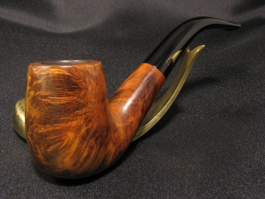 The store has been just updated with this wonderful Hardcastle pipe.