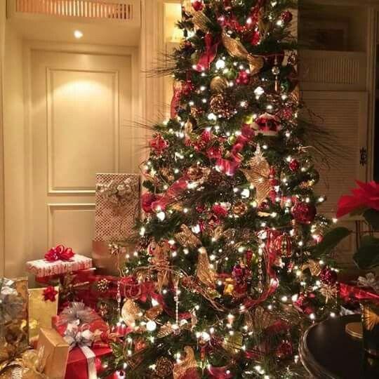 Christmas Tree Inspiration 2017: Robeson Design Christmas Tree Idea