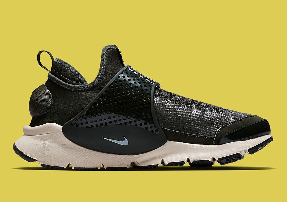 Stone Island Nike Sock Dart 2017 Release Info | SneakerNews.com