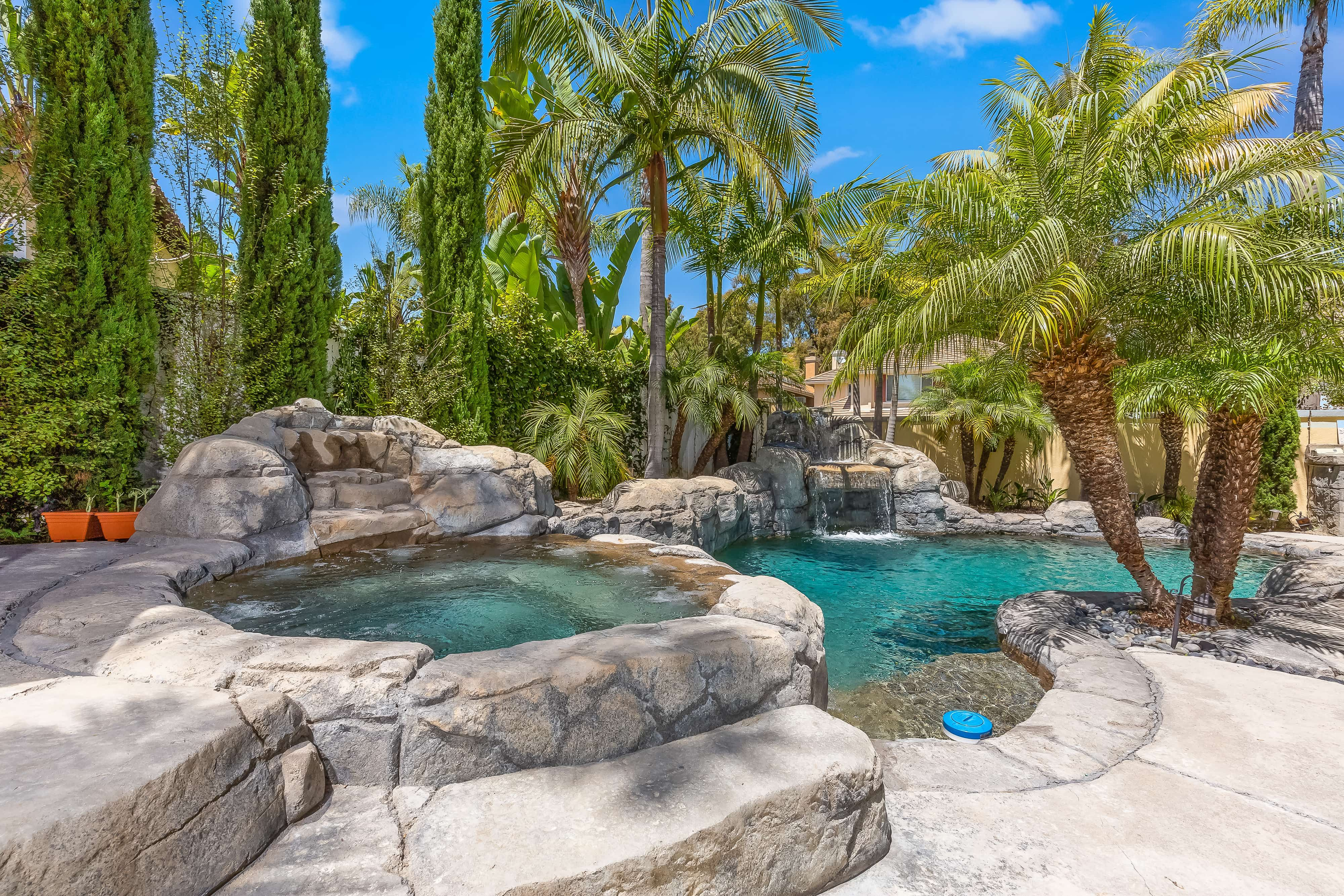 This Tuscan Estate At 801 Futura San Clemente Is Located On A Large Corner Lot Featuring A Beautiful Rock Pool With Spa A In 2020 Cool Pools Pool Outdoor Entertaining
