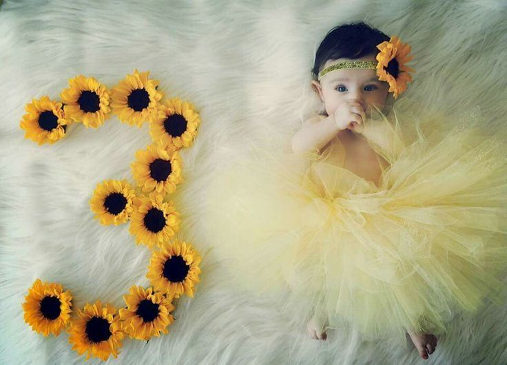 Create Cute Baby Calendars As Holiday Gifts Baby Photoshoot Girl Baby Girl Photography Monthly Baby Pictures