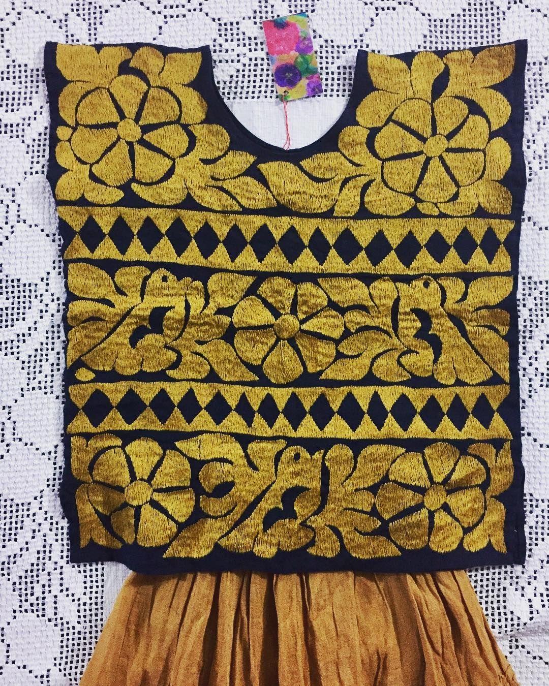 Jalapa de Díaz  pensamientosoclaveles  bordadoamano  mexicanembroidery   consumelocal  handmade Blusa Bordada A d4120c8b8f3dd