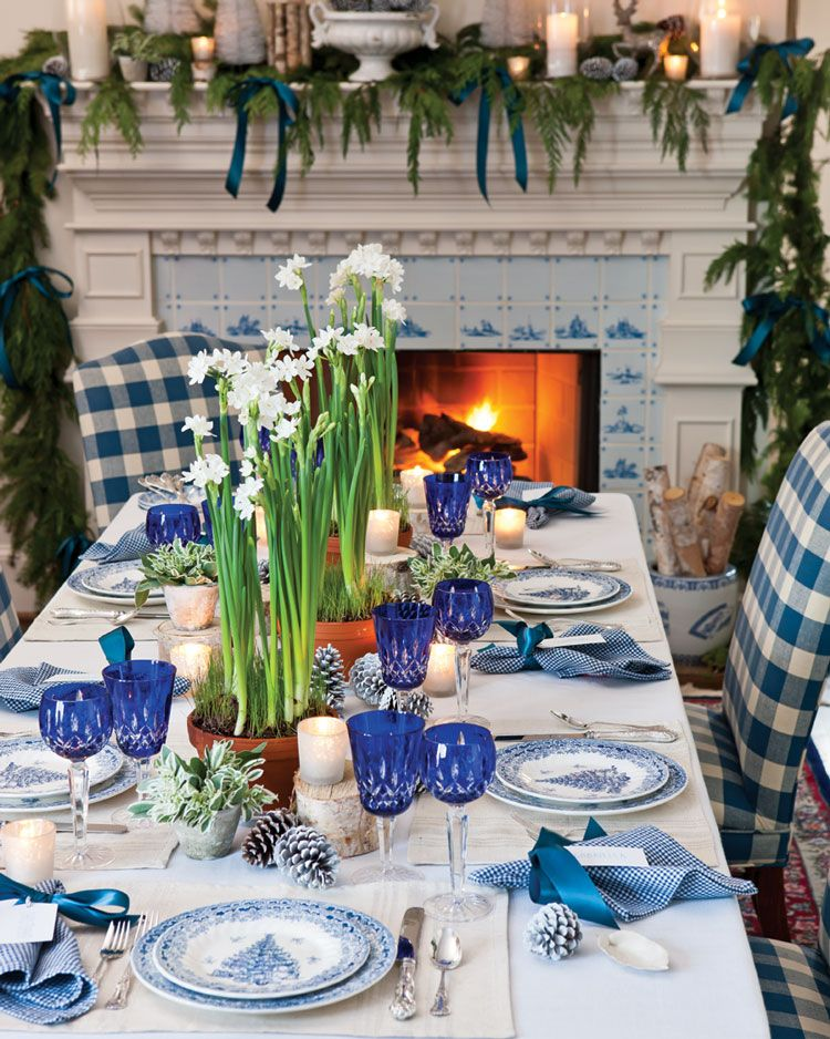 Blue And White Holiday Table Setting Blue Table Settings Holiday Table Settings White Table Settings