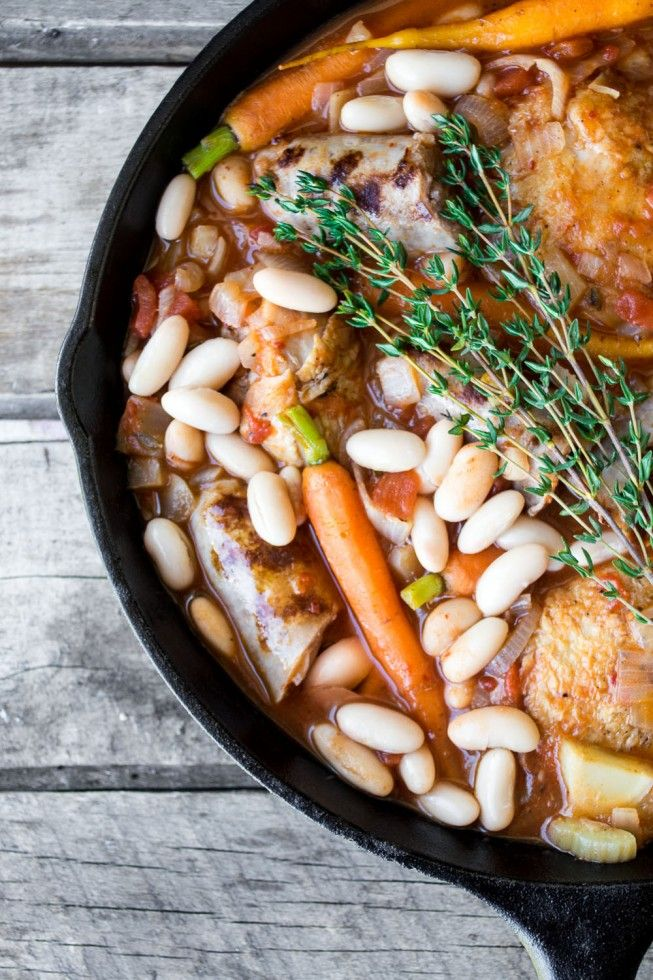 An easy and festive cassoulet recipe that feeds a crowd for Platos principales franceses