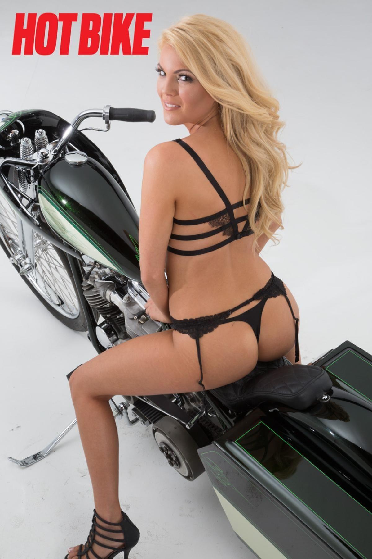 Heiße Bike Girl Galerie, Maryse nacktes Bild