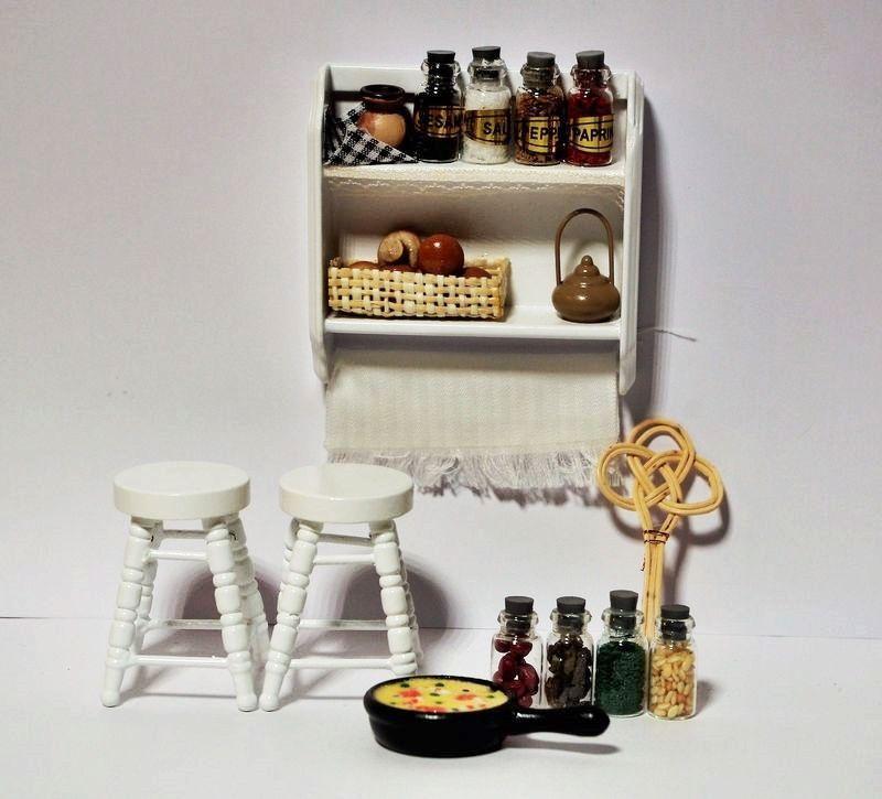 Angebot Küchenregal + Hocker + Zubehör Gläser Gewürz Pfanne Korb für