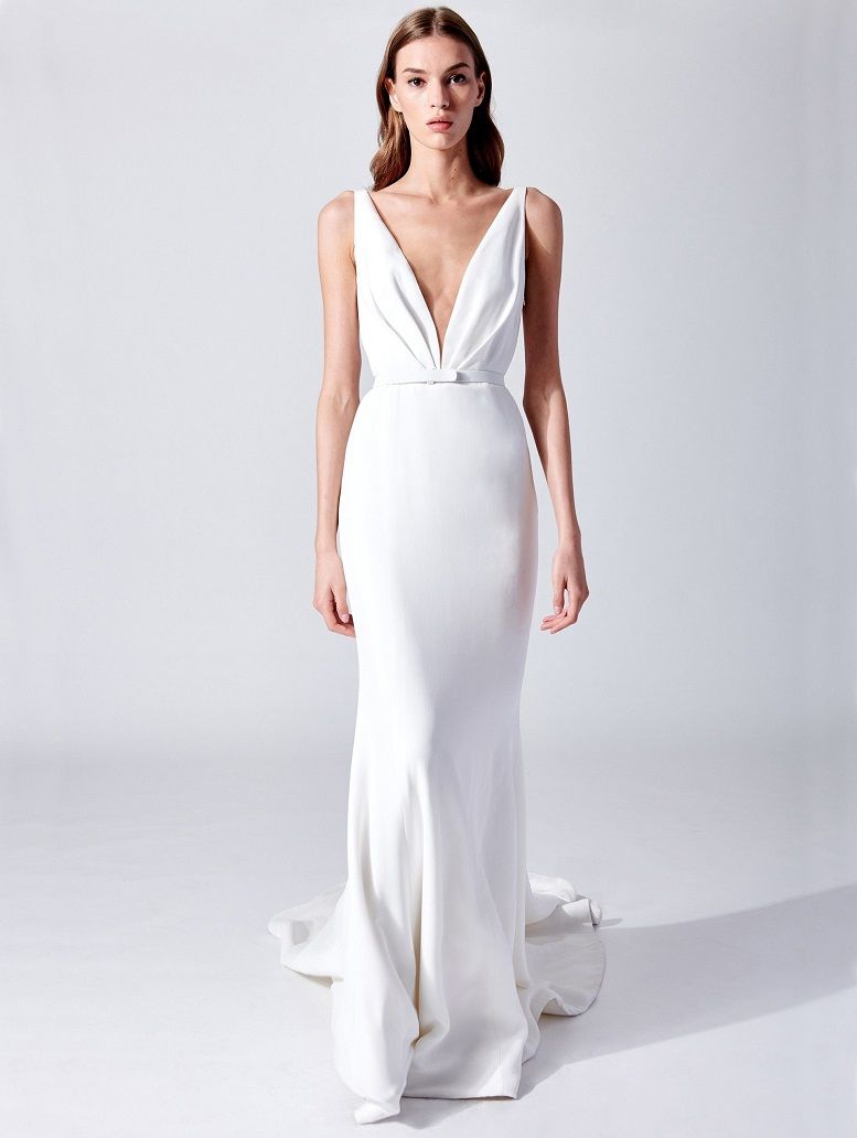 Oscar de la Renta Bridal Spring 2019 Collection - wedding dress embellishment wedding gown #weddingdress #weddinggown #weddingdresses