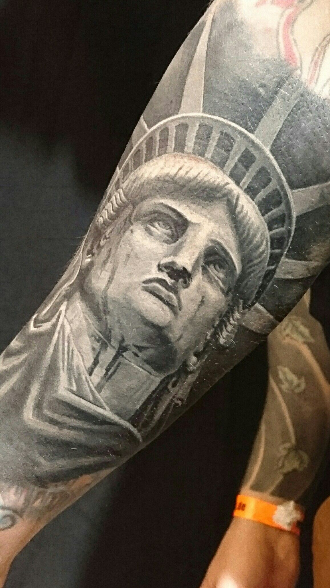 statue of liberty tattoo beautiful tattoos faces portrait pinterest liberty tattoo and. Black Bedroom Furniture Sets. Home Design Ideas