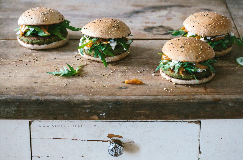 Falafel & Pea Burger by #KrautKopf // Erbsen Falafel-Burger von www.kraut-kopf.de #Food #Recipe #sisterMAG15