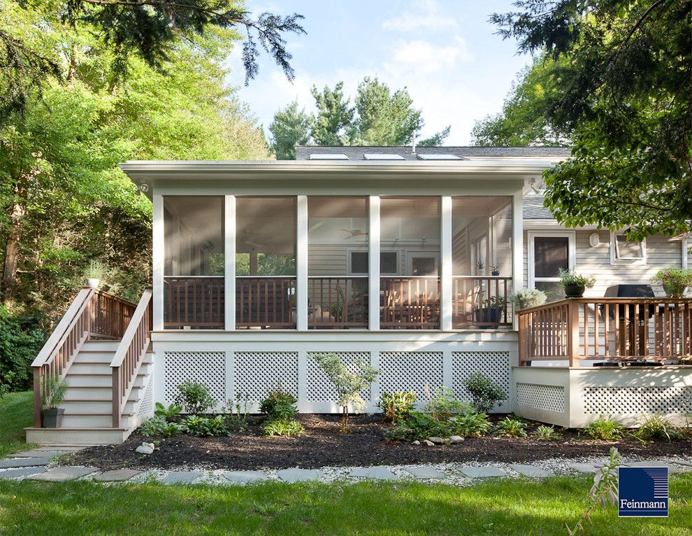 Like the screened in porch with the side deck ours would for Screened in back porch designs