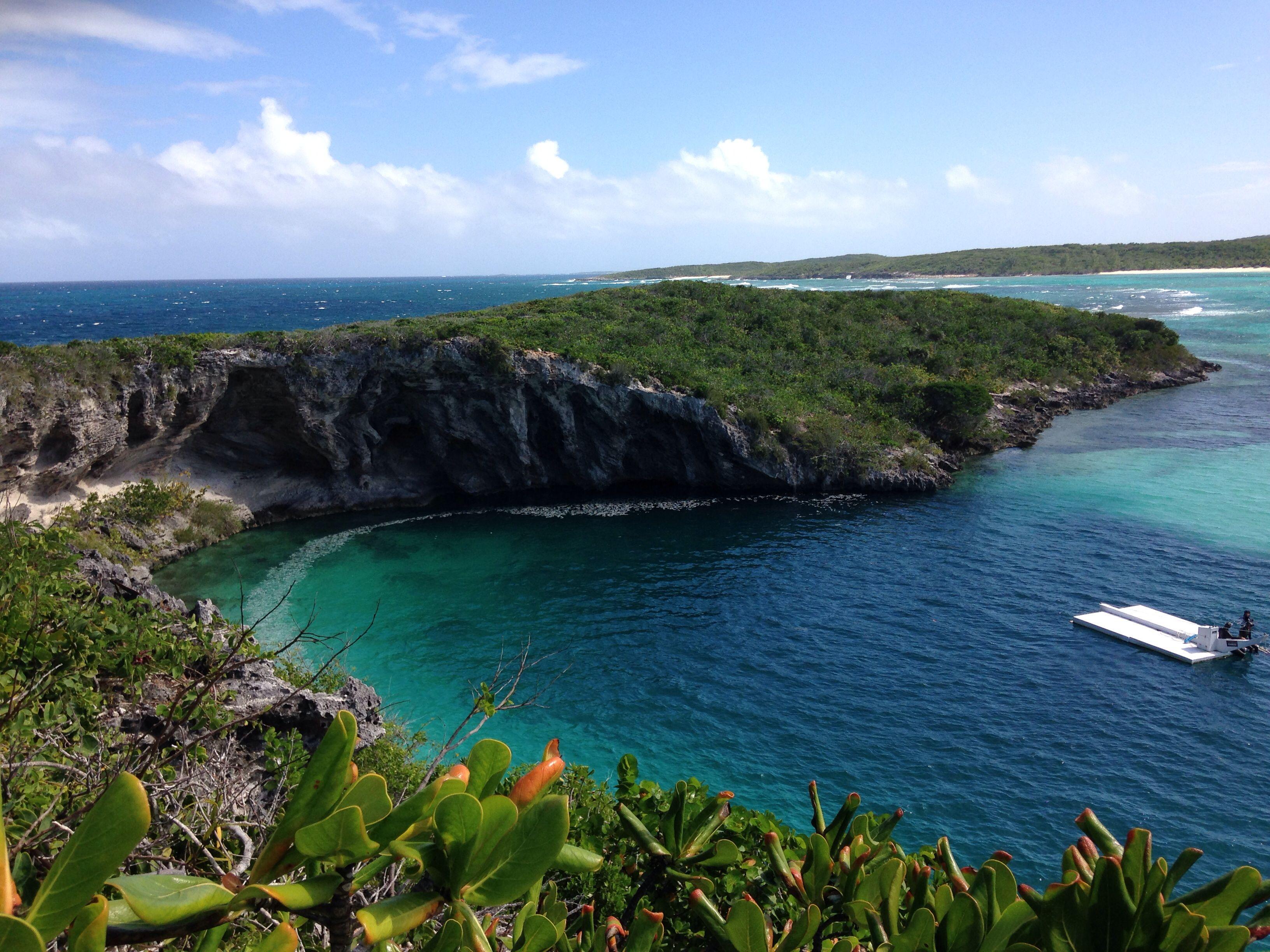 Deans Blue hole Long Island Bahamas