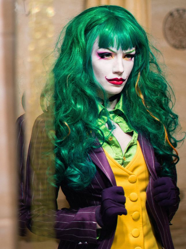 Kill it this Halloween as the Female Joker.  sc 1 st  Pinterest & Kill it this Halloween as the Female Joker. | Halloween from Brit + ...