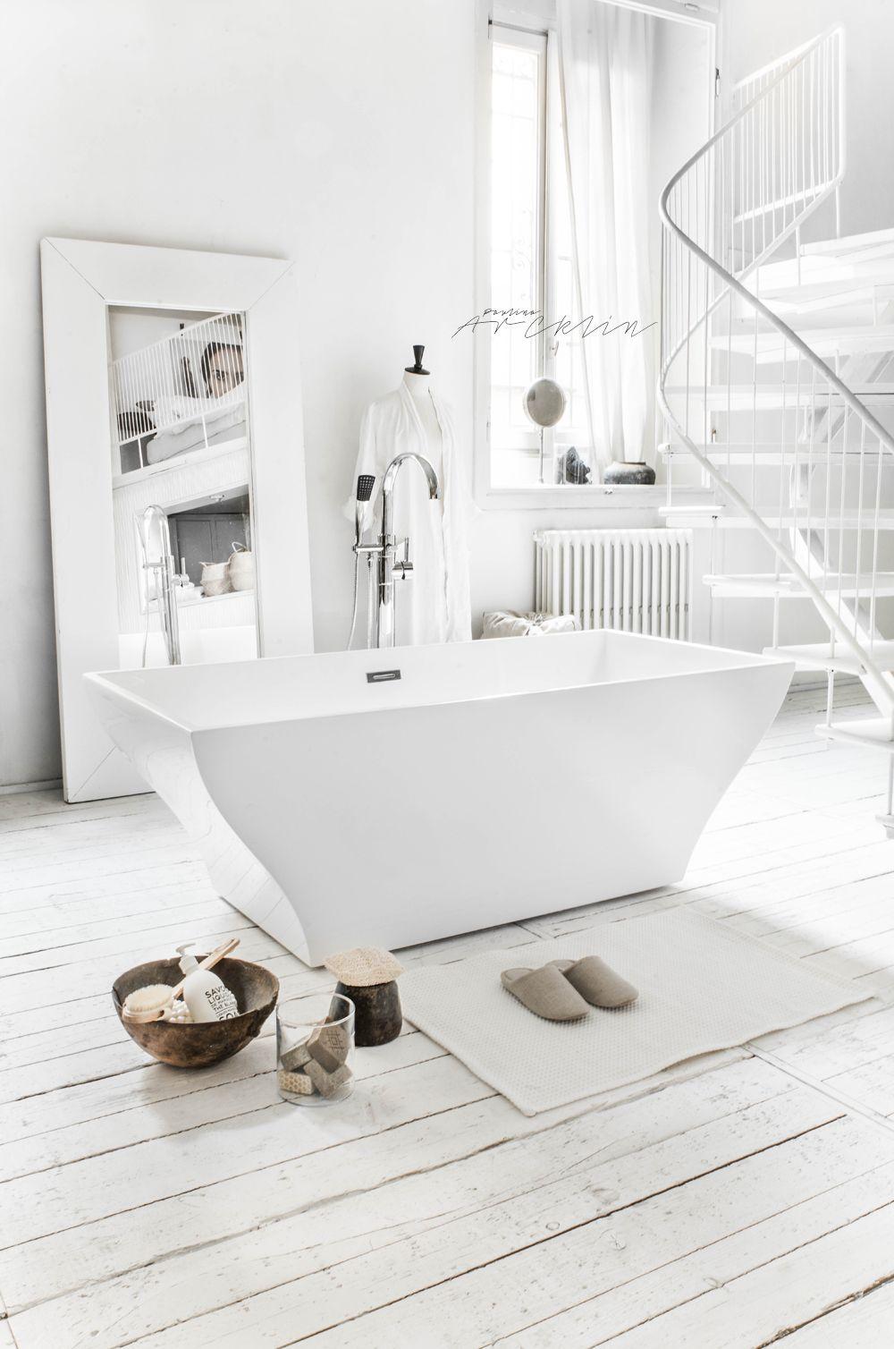 Paulina Arcklin Styling Photoshoot For Virtualbazar Www Virtualbazar It Trendy Home Decor Home Decor Styles White Decor