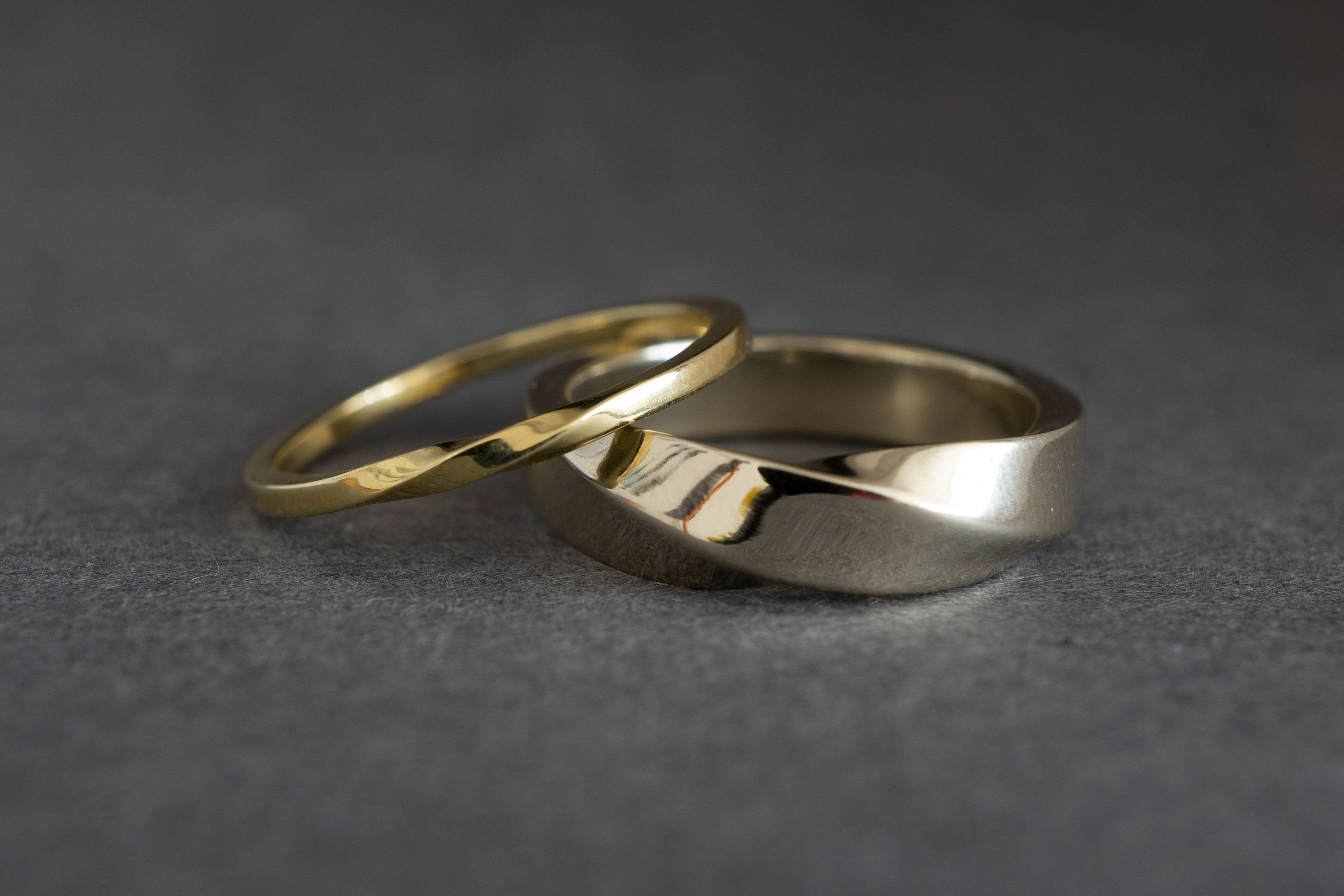 Twist Shout Matching Wedding Bands His And Hers 14k Gold Etsy Wedding Rings Sets His And Hers Gold Wedding Band Sets Couples Ring Set