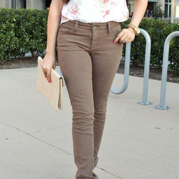 Brown jeans Worn once. No trades Banana Republic Pants