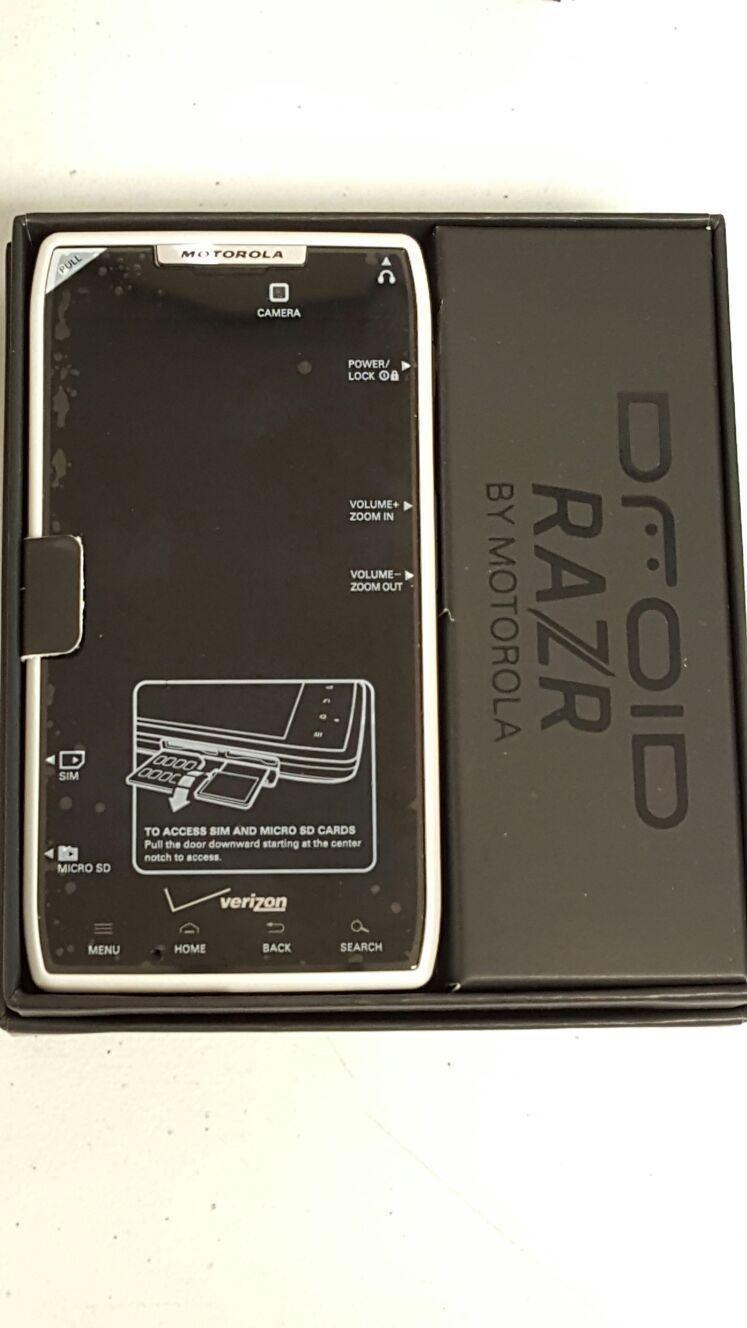 BRAND NEW MOTOROLA DROID RAZR XT912 16GB WHITE VERIZON NEVER