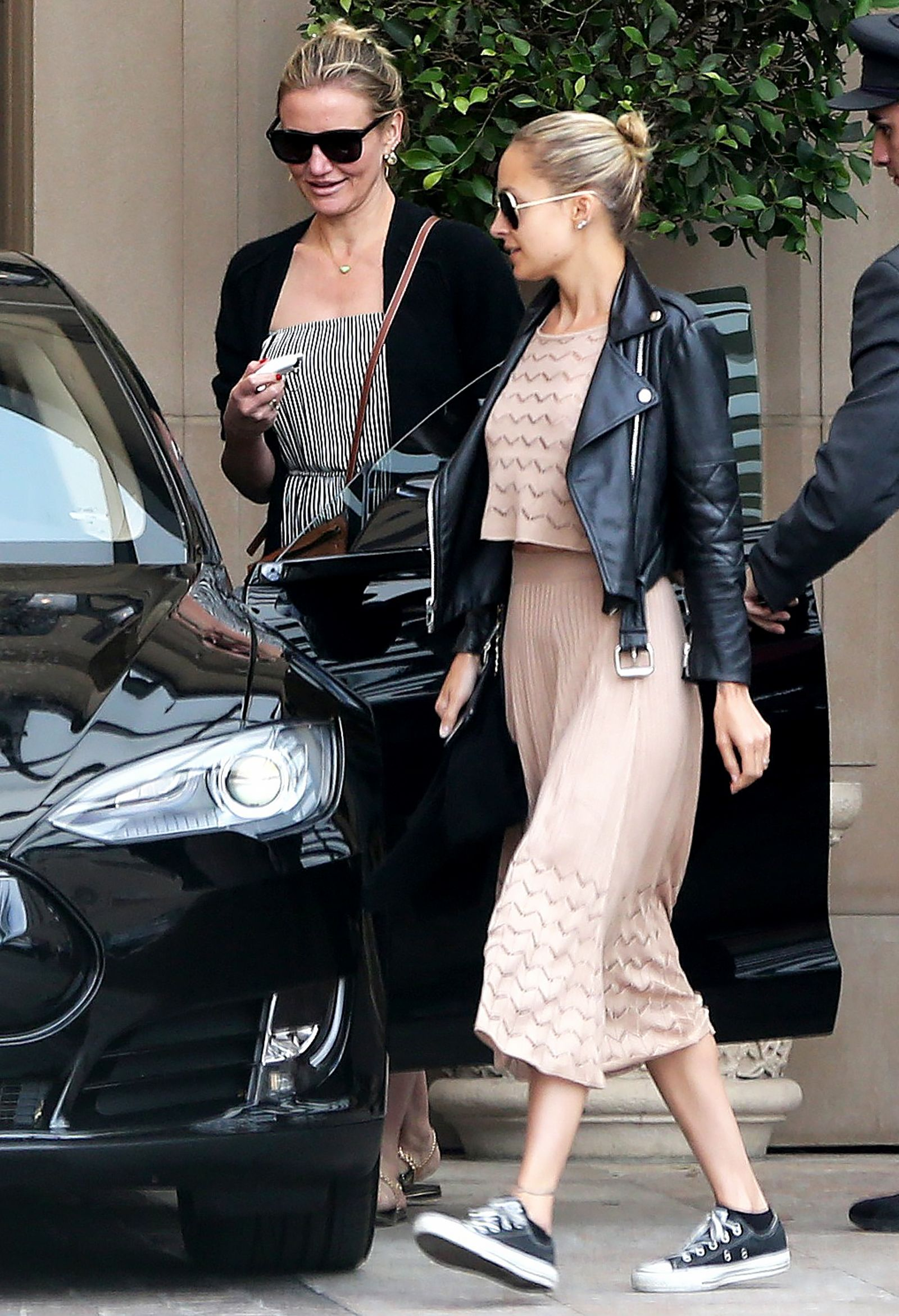 e09dcbcc7e9f Nicole Richie & Cameron Diaz Continue to Inspire Us with In-Law Goals |  Read on for more on the BFFs' recent lunch date.