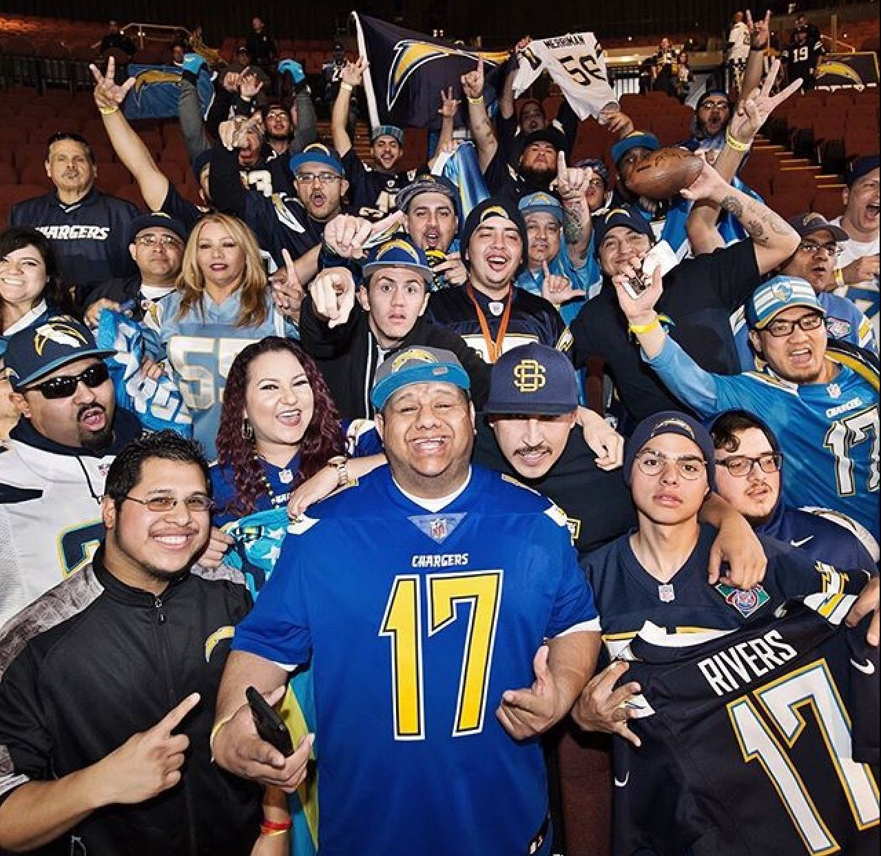 Charger Fans In Los Angeles One Charge San Diego Chargers Los Angeles Chargers Los Angeles