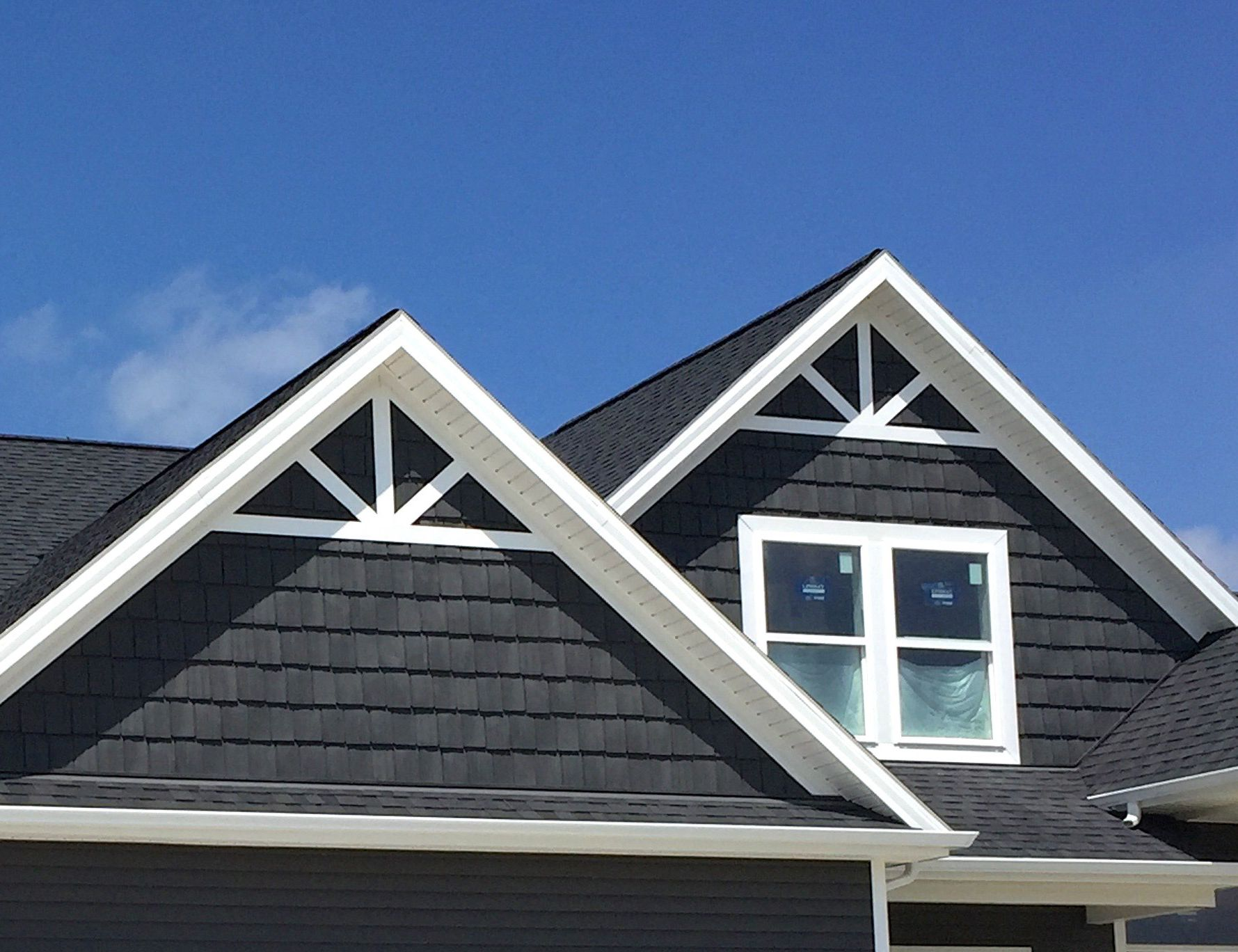 Custom Metal Accents In Gables Sounds And Looks Pricier Than It Actually Is In 2020 Ranch House Exterior Grey Siding House Gray House Exterior