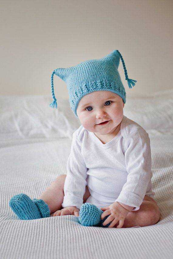With a Twist Hat and Booties PDF knitting pattern | knitting ...