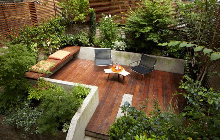 Courtyard Sleek Urban Setting Nice Mix Of Plants And Decking