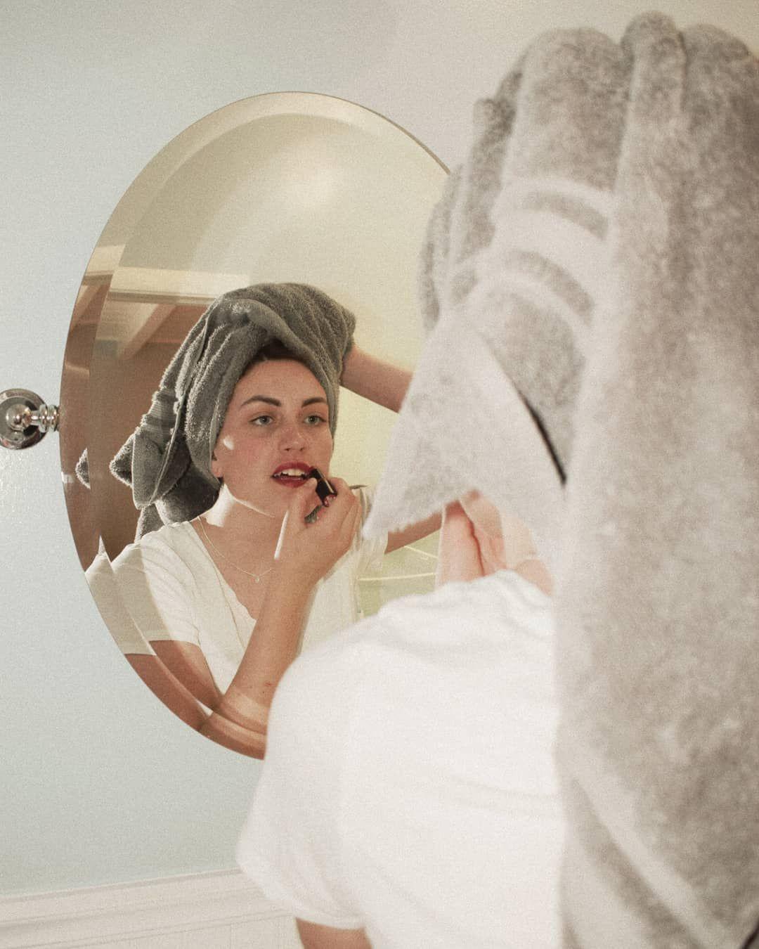 Insta Shotbynatalia Retro Photoshoot Bathroom Photoshoot Mirror Photography Mirror Photography Photography Debut Photoshoot