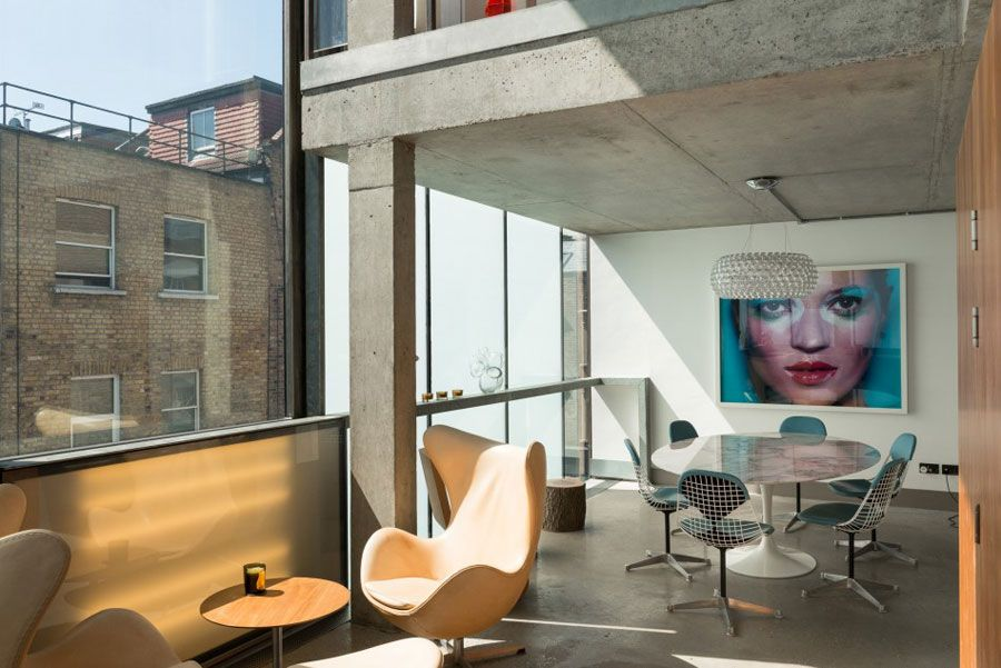 Concrete Glass Home by William Russell - http://www.decorationarch.net/decoration-ideas/concrete-glass-home-by-william-russell.html