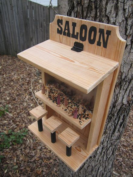 saloon bird feeder backyard ideas pinterest vogelh user holzarbeiten und gartenideen. Black Bedroom Furniture Sets. Home Design Ideas