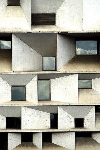 "the ""Auditorio de Leon"" – architects Mansilla y Tuñón"