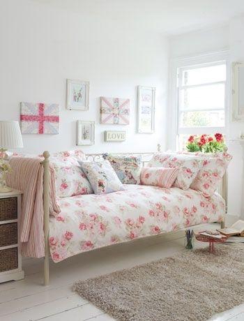 Zo richt jij jouw kleine kamer in girlscene home sweet home pinterest kamer inrichting - Roze kleine kamer ...