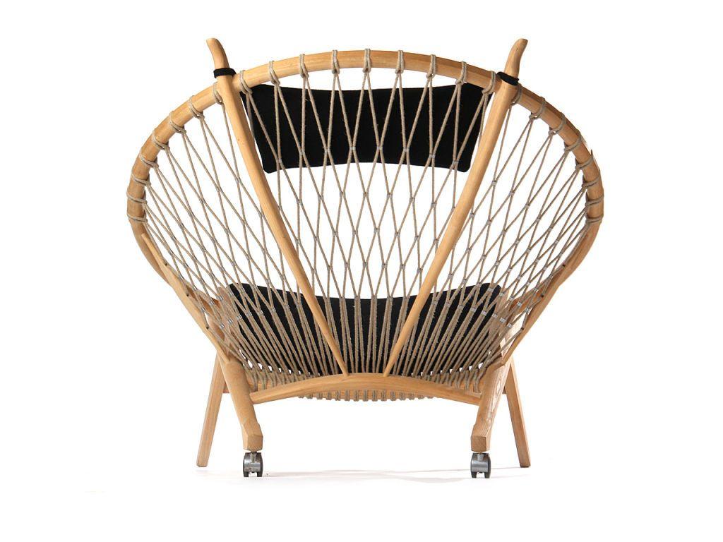 the Circle Chair by Hans Wegner Circle