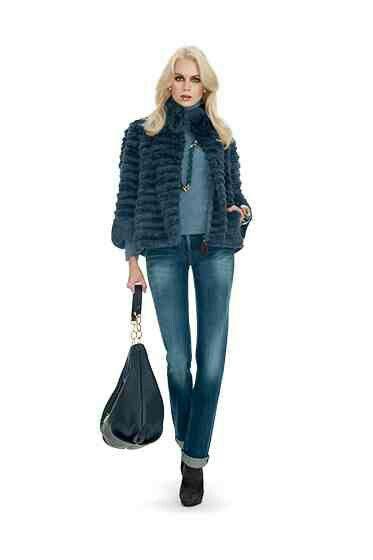 Luisa Spagnoli jeans and fur jacket...classy  m.luisaspagnoli.com precollection f w 201415 35 115a579189e