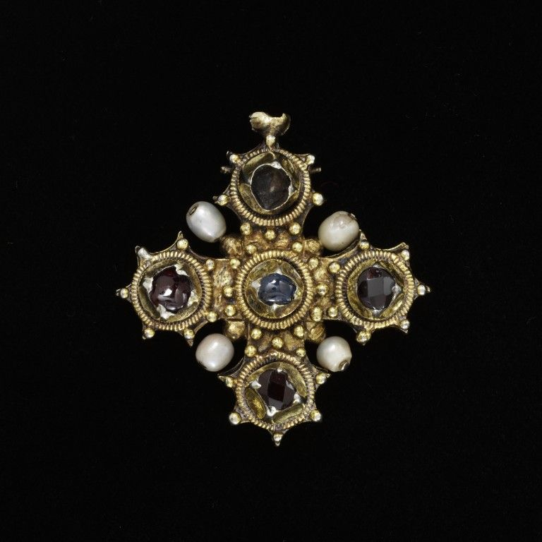 Pendant reliquary cross - ca. 1450-1475. Silver, silver gilt; ruby, sapphire, garnet, pearl. Germany (possibly, made)