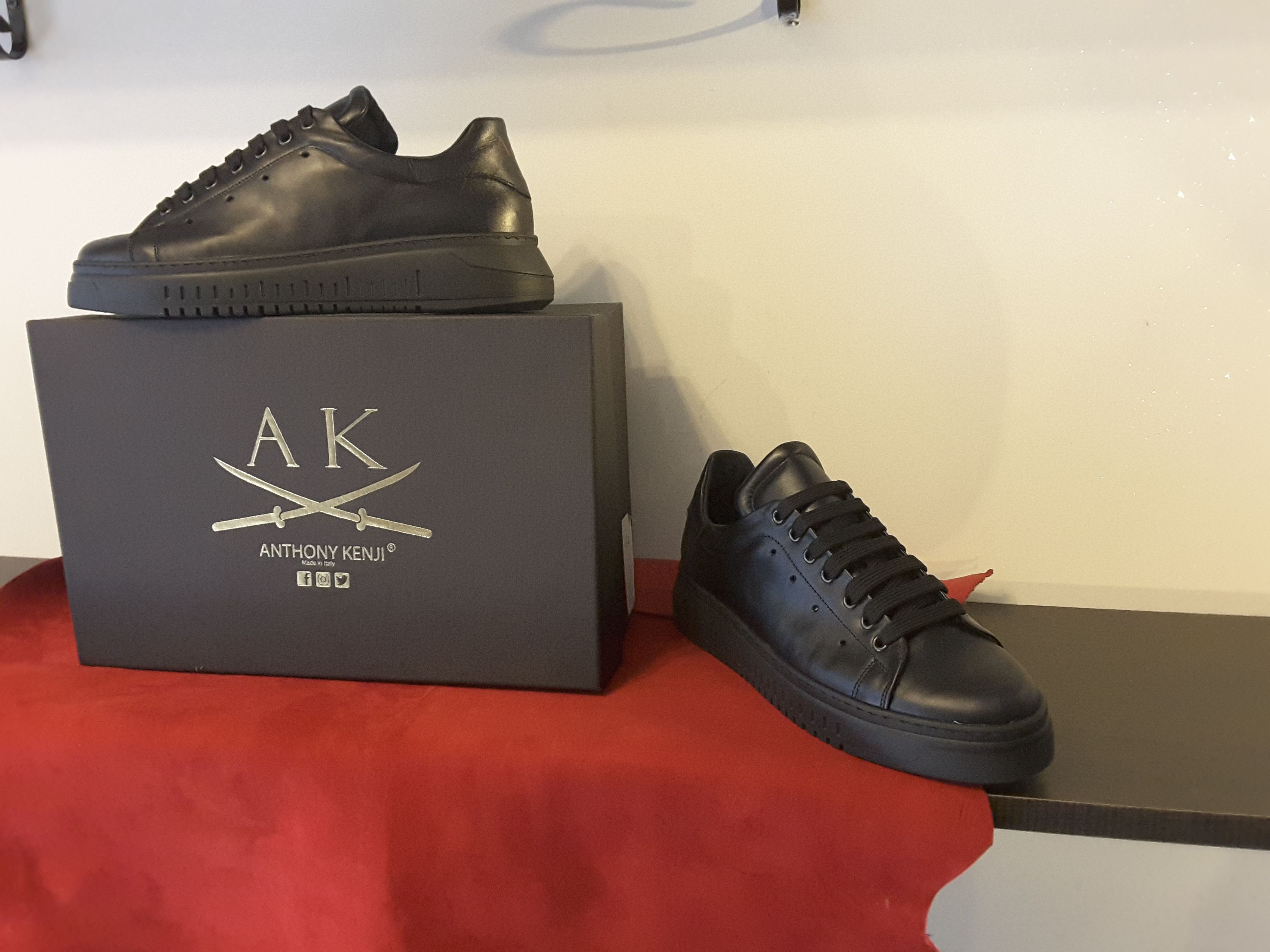 Sneakers uomo Anthony Kenji in vitello nero, foderate in
