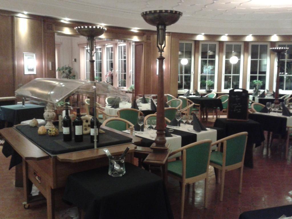 Restaurant En Ardennes Alle Sur Semois Centre Base De Loisirs Recrealle Les Pierres Du Diable Restaurant Ardennes Ardennes Belges